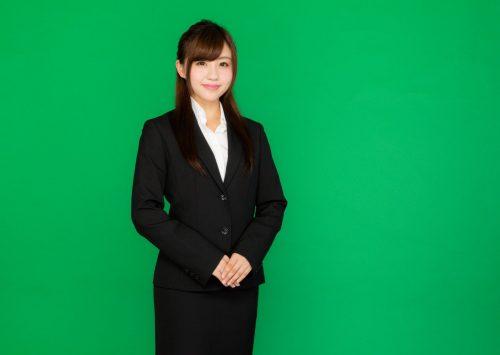 若い女性事務員